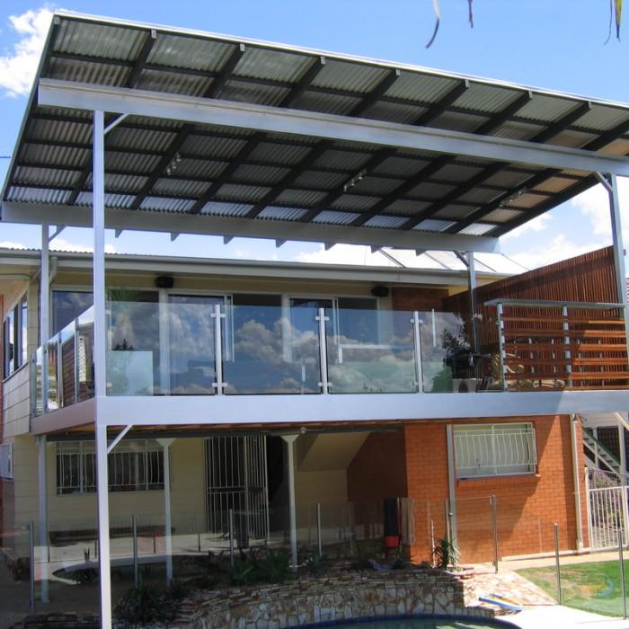 Advantages and Disadvantage of Glass Balustrades for Decks